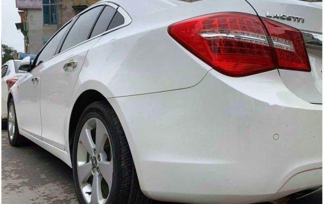 Bán ô tô Daewoo Lacetti năm 2012, màu trắng còn mới