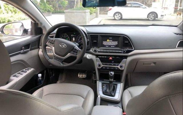 Bán Hyundai Elantra 2.0AT đời 2016, màu trắng còn mới, giá 622tr3