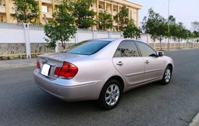 Cần bán xe Toyota Camry năm sản xuất 2004 còn mới1