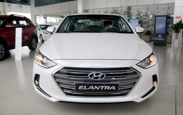 Bán Hyundai Elantra đời 2019, nhập khẩu nguyên chiếc, giá tốt, giao nhanh0