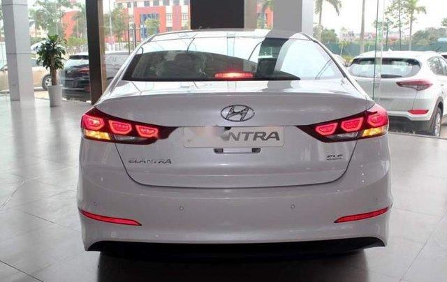 Bán Hyundai Elantra đời 2019, nhập khẩu nguyên chiếc, giá tốt, giao nhanh1