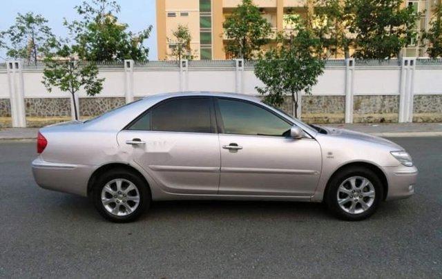 Cần bán xe Toyota Camry năm sản xuất 2004 còn mới0