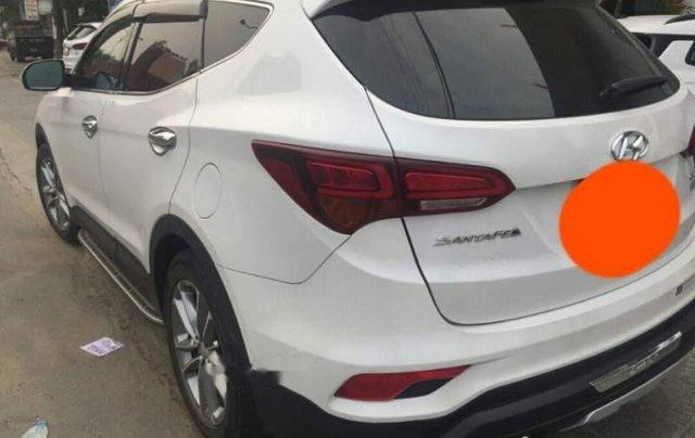 Bán Hyundai Santa Fe 2017, màu trắng còn mới2