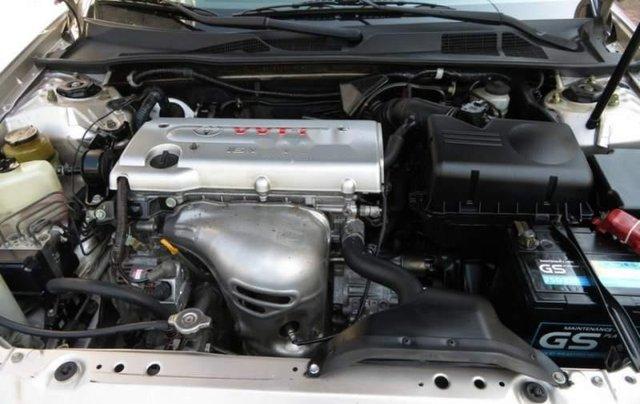 Cần bán xe Toyota Camry năm sản xuất 2004 còn mới5