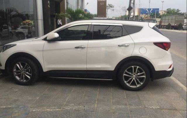 Bán Hyundai Santa Fe 2017, màu trắng còn mới5