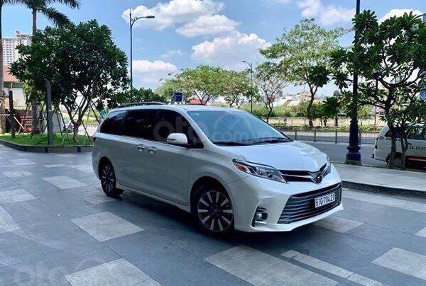 Cần bán xe Toyota Sienna Limited 3.5 sản xuất năm 2018, màu trắng, xe nhập0