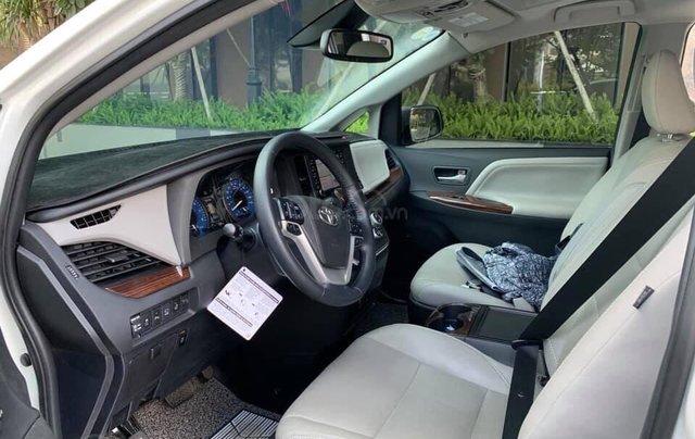Cần bán xe Toyota Sienna Limited 3.5 sản xuất năm 2018, màu trắng, xe nhập12