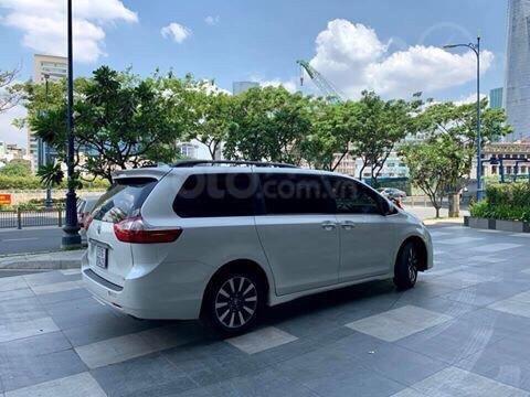 Cần bán xe Toyota Sienna Limited 3.5 sản xuất năm 2018, màu trắng, xe nhập1