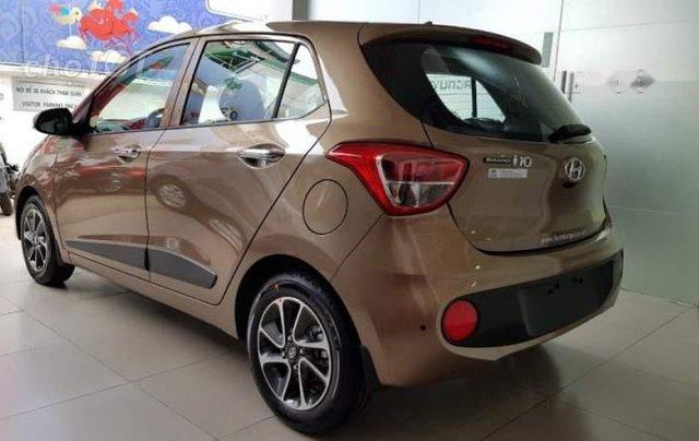 Bán ô tô Hyundai Grand i10 năm sản xuất 2019, màu nâu giá cạnh tranh1
