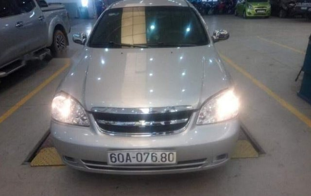 Cần bán xe Chevrolet Lacetti năm 2013, màu bạc, xe nhập, giá tốt0