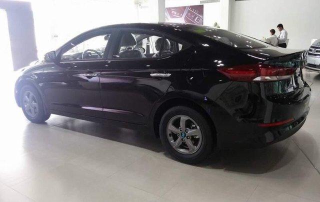 Bán ô tô Hyundai Elantra 1.6MT sản xuất năm 2019, màu đen2