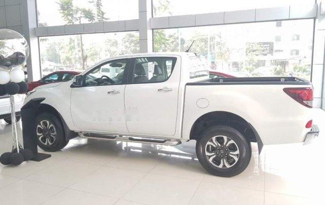 Cần bán Mazda BT 50 sản xuất năm 2019, màu trắng, nhập khẩu nguyên chiếc giá cạnh tranh0