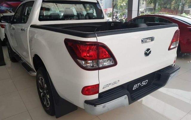 Cần bán Mazda BT 50 sản xuất năm 2019, màu trắng, nhập khẩu nguyên chiếc giá cạnh tranh4
