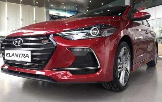 Bán ô tô Hyundai Elantra Sport 2018, màu đỏ, giá chỉ 690 triệu0