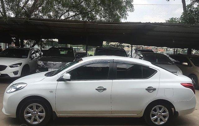 Bán Nissan Sunny XV đời 2013, màu trắng đã đi 80000 km0