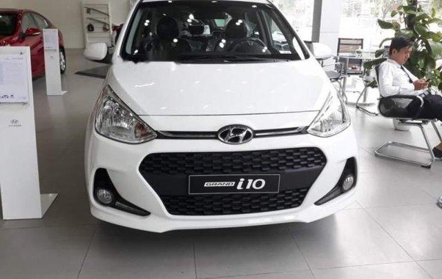 Bán Hyundai Grand i10 đời 2019, màu trắng, giá 325tr0