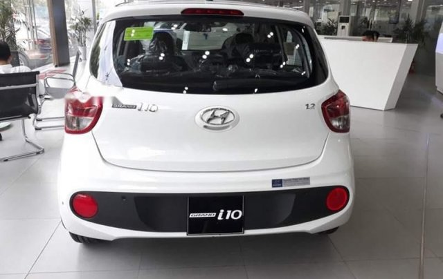 Bán Hyundai Grand i10 đời 2019, màu trắng, giá 325tr3