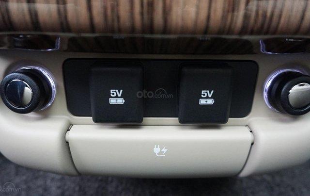 Cần bán xe LandRover Range Rover HSE năm 2019, màu trắng, xe nhập3