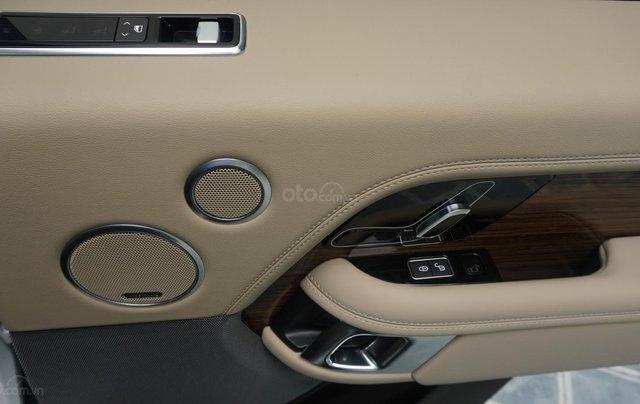Cần bán xe LandRover Range Rover HSE năm 2019, màu trắng, xe nhập5