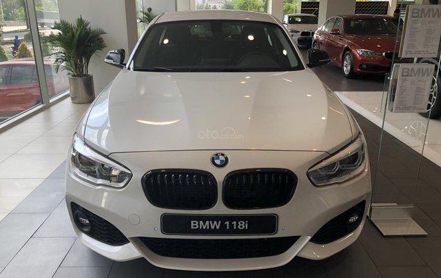 Cần bán xe BMW 1 Series 118i năm sản xuất 2018, màu trắng, xe nhập0