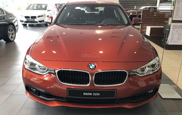 Cần bán BMW 3 Series 320i đời 2019, màu cam, nhập khẩu0