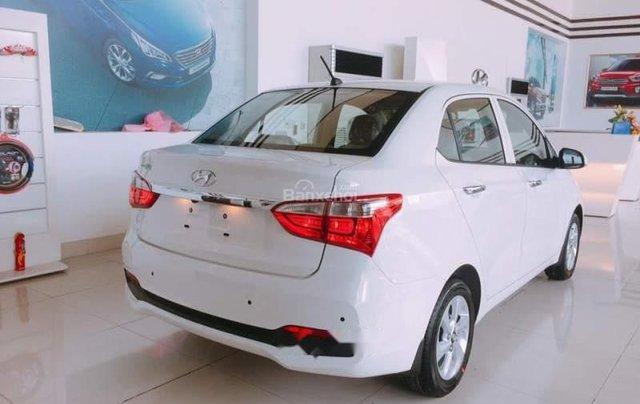 Bán xe Hyundai Grand i10 1.2 AT 2019, màu trắng, nhập khẩu 2