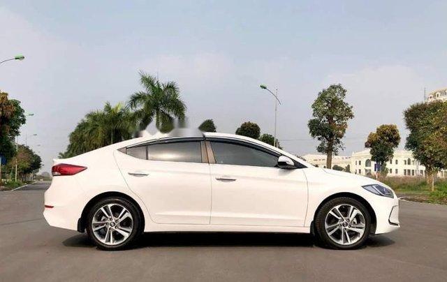 Cần bán Hyundai Elantra đời 2019, màu trắng, giá chỉ 540 triệu4