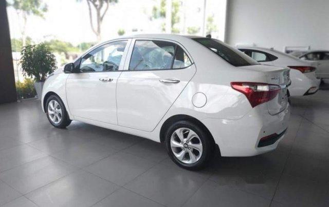 Bán xe Hyundai Grand i10 1.2 AT 2019, màu trắng, nhập khẩu 1