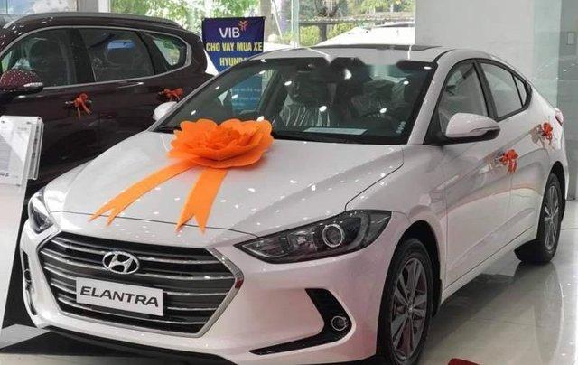 Cần bán Hyundai Elantra đời 2019, màu trắng, giá chỉ 540 triệu2