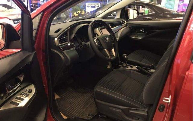Bán xe Toyota Innova đời 2019, màu đỏ, 848 triệu3