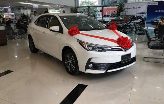 Bán Toyota Corolla Altis năm sản xuất 2019, màu trắng0