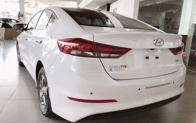 Bán xe Hyundai Elantra năm sản xuất 2019, nhập khẩu nguyên chiếc2