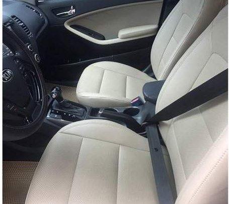 Cần bán lại xe Kia Cerato 2017, màu xanh đen, giá chỉ 585 triệu3