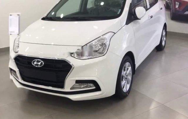 Bán xe Hyundai Grand i10 1.2 AT 2019, màu trắng, nhập khẩu 4