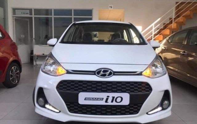 Bán Hyundai Grand i10 1.2MT năm sản xuất 2019, màu trắng, 370tr0