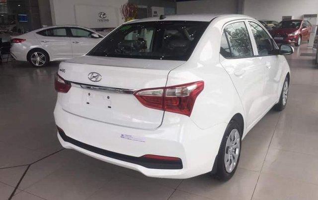 Bán xe Hyundai Grand i10 sản xuất năm 2019, màu trắng2