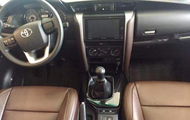 Bán xe Toyota Fortuner 2019, màu bạc, xe nhập1