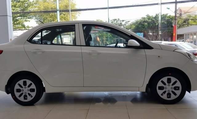 Bán xe Hyundai Grand i10 sản xuất năm 2019, màu trắng5