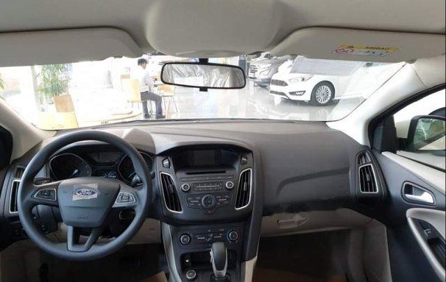 Bán xe Ford Focus năm sản xuất 2019, màu trắng4