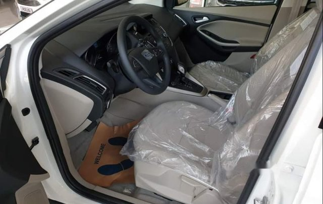 Bán xe Ford Focus năm sản xuất 2019, màu trắng3