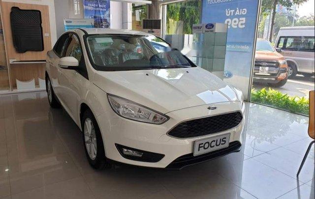 Bán xe Ford Focus năm sản xuất 2019, màu trắng0