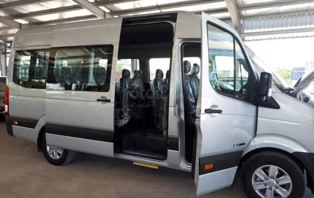 Xe khách Hyundai Solati 16 chỗ, đời 2019, khuyến mãi 30tr, hộp đen, hỗ trợ vay cao - Lh: 09327787945