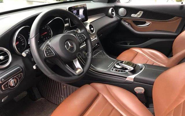 Cần bán xe Mercedes GLC300 4Matic 2017, màu trắng nội thất nâu6
