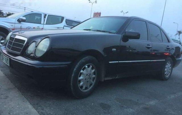 Cần bán Mercedes E230 đời 1996, nhập khẩu, 155tr4