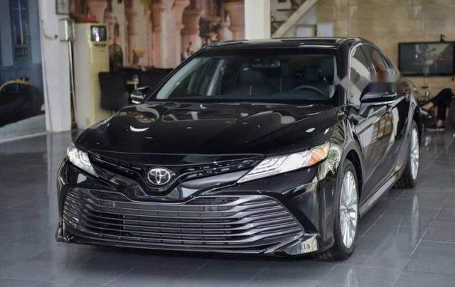 Bán Toyota Camry năm sản xuất 2019, màu đen, nhập từ Thái0