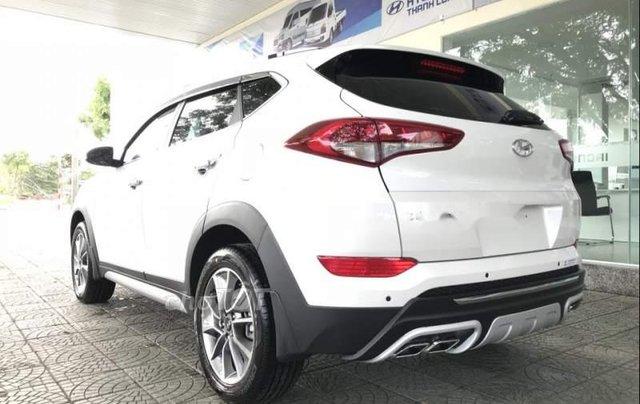 Bán Hyundai Tucson đời 2019, màu trắng, mới 100%1