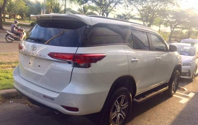 Bán xe Toyota Fortuner sản xuất năm 2018, màu xám giá cạnh tranh5