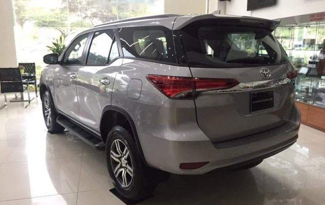 Bán xe Toyota Fortuner sản xuất năm 2018, màu xám giá cạnh tranh4