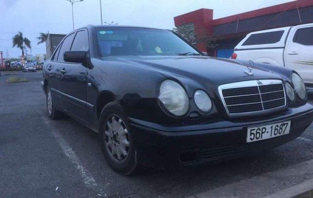 Cần bán Mercedes E230 đời 1996, nhập khẩu, 155tr3