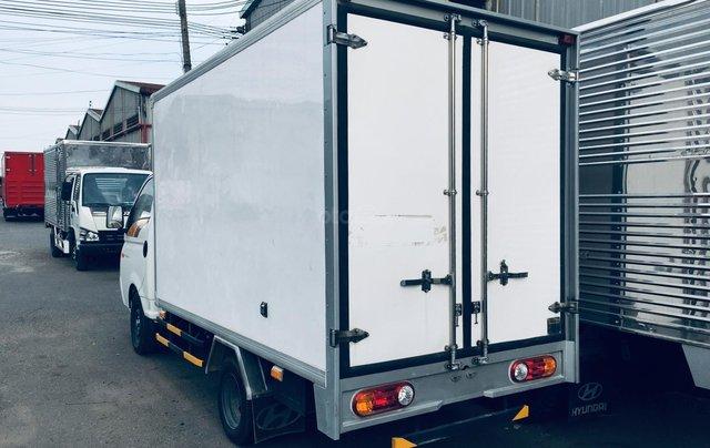 Bán xe tải Hyundai thùng bảo ôn 1T5, thùng dài 3m1 có sẵn giá tốt2